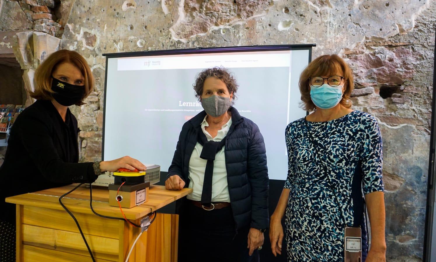 Petra Olschowski, Sibylle Schüssler und Claudia Baumbusch starten Reuchlin digital